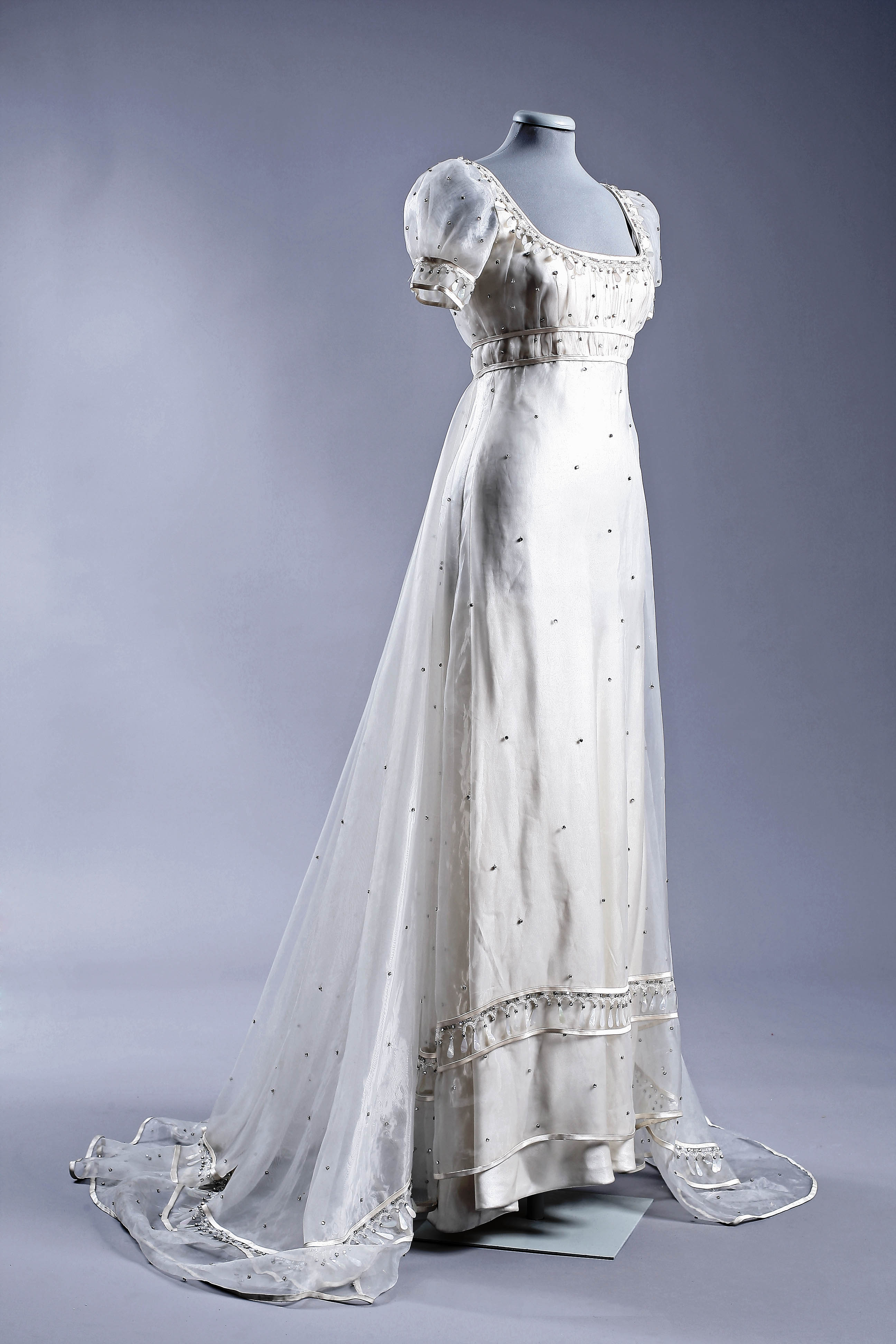 Audrey Hepburn's Gattinoni gown in War and Peace.