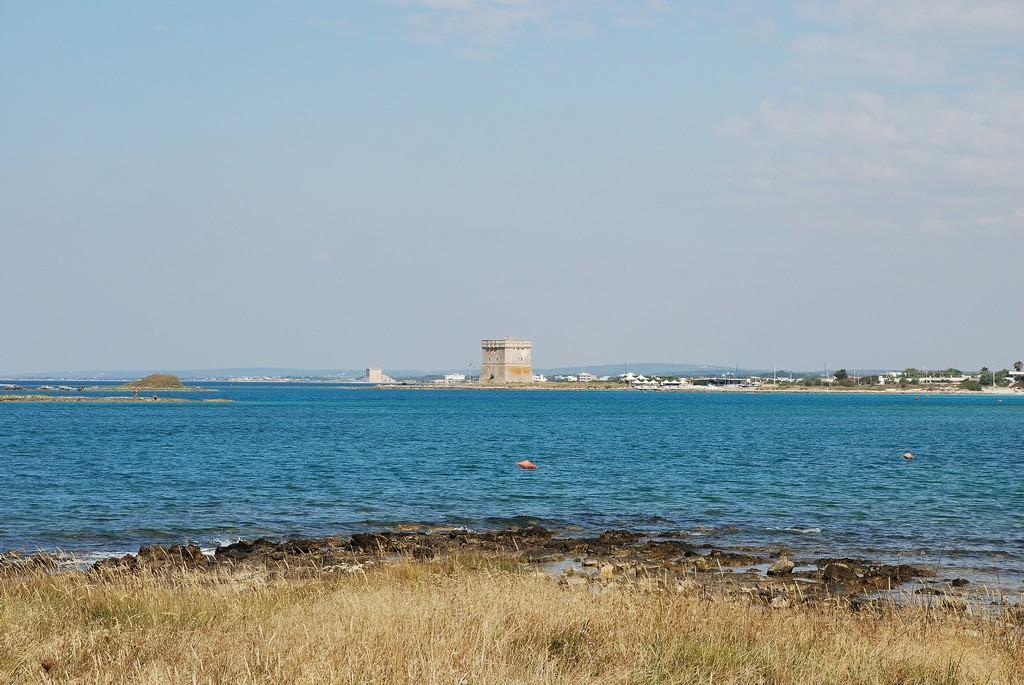 Torre_Chianca_near_Porto_Cesareo_(4752193528)