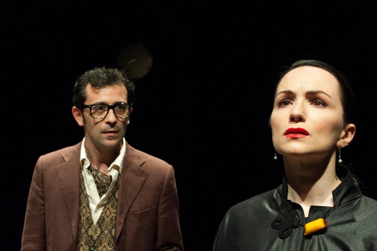 Chiudi gli occhi - foto di Serafino Amato - Alice Spisa (Annie) e Vincenzo D'Amato (Abu Meddin) (2)